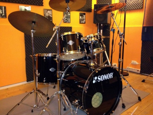 phoca_thumb_l_DLV drum school 1
